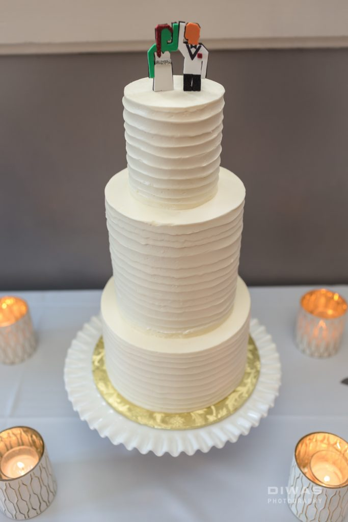 06-cake-toppers