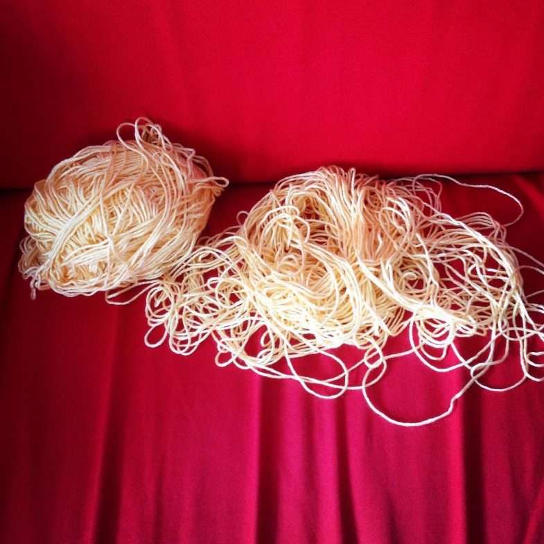 yarn ball tangle